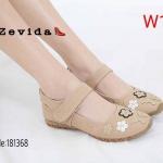 รองเท้าคัทชู ส้นแบน แต่งลายดอกไม้ผีเสื้อสวยน่ารัก พื้นนิ่ม สายคาดเมจิกเทปใส่ง่าย ทรงสวย หนังนิ่ม ใส่สบาย แมทสวยได้ทุกชุด (1811368)