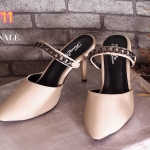 รองเท้าคัทชู เปดส้น คาดหน้าแต่งโซ่สวยเก๋ ทรงสวยเก็บเท้าเรียว ส้นสูงประมาณ 3 นิ้ว ใส่สบาย แมทสวยได้ทุกชุด