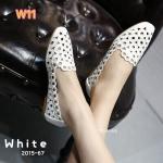 รองเท้าคัทชู ส้นแบน ฉลุลายวงกลมสวยเก๋น่ารัก ทรงสวย ใส่สบาย แมทสวยได้ทุกชุด (2015-67)