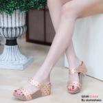 รองเท้าแฟชั่น ส้นเตารีด แบบสวม แต่งลายสไตล์อิซเซ่สวยเก๋ ใส่สบาย แมทสวยได้ทุกชุด (Sj346)