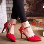 รองเท้าคัทชู ส้นสูง รัดส้น แต่งหมุดทองสวยเก๋สไตล์วาเลนติโน ทรงสวย หนังนิ่ม ส้นสูงประมาณ 3 นิ้ว ใส่สบาย แมทสวยได้ทุกชุด