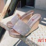รองเท้าแฟชั่น ส้นเตารีด แบบสวม แต่งอะไหล่คริสตัลสวยหรู หนังนิ่ม งานสวย ใส่สบาย ส้นสูงประมาณ 4 นิ้ว แมทสวยได้ทุกชุด