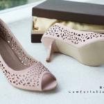 รองเท้าคัทชู ส้นเตี้ย เปิดหน้า ฉลุลายสวยหวาน ส้นสูงประมาณ 2.5 นิ้ว หนังนิ่ม ทรงสวย ใส่สบาย แมทสวยได้ทุกชุด (H-16108)