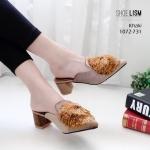 รองเท้าคัทชู เปิดส้น หนังสักหราดแต่งพู่ปอมสวยหรู เก๋มาก หนังนิ่ม ขอบกันกัด ทรงสวย ส้นตัดสูง 2.5 นิ้ว ใส่สบาย แมทสวยได้ทุกชุด (1072-731)