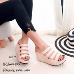 รองเท้าแฟชั่น ส้นเตารีด งานเส้นแบบสวมดีไซน์ใหม่สวยเรียบเก๋ พื้นนวมนิ่ม ใส่สบายเท้า สูง 3 นิ้ว หนังนิ่ม ทรงสวย ใส่สบาย แมทสวยได้ทุกชุด (981-70)