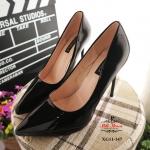รองเท้าคัทชู ส้นสูง วัสดุหนังแก้ว หัวแหลม ส้นสูง 4 นิ้ว เรียบหรู พื้นด้านในบุนวมนิ่ม น้ำหนักเบา ส้นสูง 4 นิ้ว ทรงสวย ใส่สบาย แมทสวยได้ทุกชุด ดำ / ครีม / ชมพู (XG11-147)
