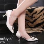 รองเท้าคัทชู ส้นเตี้ย แต่งอะไหล่สวยเก๋ เว้าข้างด้านใน หนังนิ่ม ส้นสูงประมาณ 2.5 นิ้ว ใส่สบาย แมทสวยได้ทุกชุด (B89-10)