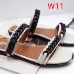 รองเท้าแตะแฟชั่น แบบสวม แต่งโซ่สวยเรียบเก๋สไตล์แบรนด์ ทรงสวยหนังนิ่ม ใส่สบาย แมทสวยได้ทุกชุด (SP612)