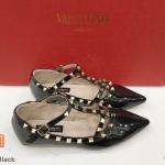 รองเท้าคัทชู ส้นแบน รัดข้อ หนังเงาแต่งหมุดสวยหรูสไตล์วาเลนติโน ใส่สบาย ทรงสวย แมทสวยได้ทุกชุด (K2992)