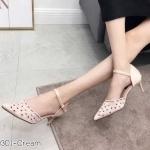 รองเท้าคัทชู ส้นสูง รัดส้น ฉลุลายดอกไม้สวยหวาน ส้นสูงประมาณ 2 นิ้ว ใส่สบาย แมทสวยได้ทุกชุด (K9301)