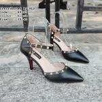 รองเท้าคัทชู ส้นสูง รัดส้น ทรงหัวแหลม เปิดด้านข้าง ตกแต่งด้วยหมุดสีทอง สไตล์วาเลนติโน สวยหรูมาก สูง 3 นิ้ว แมทสวยได้ทุกชุด (N9103)