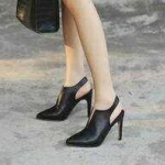 รองเท้าคัทชู ส้นสูง รัดส้น ทรงหัวแหลม ดีไซน์ผ่าหน้าสวยเก๋ ทรงสวย หนังนิ่ม ส้นสูงประมาณ 4 นิ้ว ใส่สบาย แมทสวยได้ทุกชุด