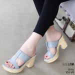 รองเท้าแฟชั่น ส้นสูง แบบสวม หน้า T ส้นลายไม้สวยเก๋ หนังนิ่ม น้ำหนักเบา งานสวย ส้นสูง 3.5 นิ้ว เสริมหน้า ใส่สบาย แมทสวยได้ทุกชุด (957-89)