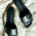 รองเท้าแตะแฟชั่น แบบสวม ดีไซน์เรียบหรู สไตล์แบรนด์ สวมใส่ง่ายพื้นยางสังเคราะห์หนานุ่ม หนังนิ่ม ใส่สบาย แมทสวยได้ทุกชุด (C62-049)
