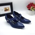 รองเท้าคัทชู ส้นเตารีด แต่งอะไหล่จรเข้สวยเรียบเก๋ หนังนิ่ม ทรงสวย ส้นสูงประมาณ 2 นิ้ว ใส่สบาย แมทสวยได้ทุกชุด
