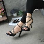 รองเท้าแฟชั่น ส้นสูง รัดข้อ แบบสวม คาดหน้าเฉียงแต่งหมุดสไตล์วาเลนติโน สวยหรู หนังนิ่ม ทรงสวย ส้นสูงประมาณ 4 นิ้ว ใส่สบาย แมทสวยได้ทุกชุด (G5274)