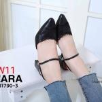 รองเท้าคัทชูเปิดส้น ส้นสูง ฉลุลายผีเสื้อสวยหวาน สายคาดใส่ได้ 2 แบบ แบบเปิดส้นและรัดส้นก็ได้ ส้นสูงประมาณ 2.5 นิ้ว ใส่สบาย แมทสวยได้ทุกชุด (B7190-3)