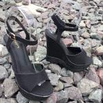 รองเท้าแฟชั่น รัดส้น ส้นเตารีด หนังลายสวย ส้นแต่งลายเก๋ดูดี ส้นสูงประมาณ 5 นิ้ว เอาใจสวยร่างเล็ก เสริมหน้า 2 นิ้ว ใส่สบาย แมทสวยได้ทุกชุด