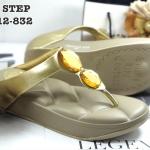 รองเท้าแตะแฟชั่น เพื่อสุขภาพ แบบหนีบ แต่งเพชรคลิสตัลสวยเก๋ พื้นโซฟานิ่ม ใส่สบาย แมทสวยได้ทุกชุด (NE7012-832)