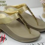 รองเท้าแตะแฟชั่น แบบหนีบ ประดับคริสตัลสวยหรู ดีเทลละเอียด พื้นซอฟคอมฟอตนิ่มเพื่อสุขภาพ สไตล์ฟิตฟลอบ ใส่เดินสบาย ความสูง 1.5 นิ้ว แมทสวยได้ทุกชุด (NE6532-833)