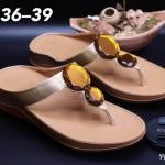 รองเท้าแตะแฟชั่น เพื่อสุขภาพ พื้นซอฟคอมฟอตสไตล์ฟิตฟลอบ แบบหนีบ แต่งคลิสตัลใหญ่สวยเก๋ พื้นนิ่มเบา ใส่สบายมาก แมทเก๋ได้ทุก