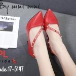 รองเท้าคัทชู ส้นสูง แต่งคาดเฉียงด้านหน้าประดัับหมุดสไตล์วาเลนติโนสวยหรู ทรงสวย ใส่สบาย ส้นสูงประมาณ 3.5 นิ้ว แมทสวยได้ทุกชุด (17-5147)