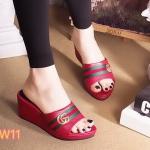 รองเท้าแฟชั่น แบบสวม ส้นเตารีด แต่งลายอะไหล่สไตล์กุชชี่สวยเก๋ ใส่สบาย แมทสวยได้ทุกชุด