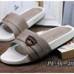 รองเท้าแตะแฟชั่น แบบสวม แต่งอะไหล่สไตล์แบรนด์สวยเรียบเก๋ วัสดุอย่างดี พื้นยางนิ่มยืดหยุ่น ทรงสวย หนังนิ่ม ใส่สบาย แมทสวยได้ทุกชุด