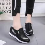 รองเท้าผ้าใบแฟชั่น เสริมส้น แบบ slip on ไร้เชือก แต่งลายขนนกหนังสวยเรียบเก๋สไตล์เกาหลี พื้นนุ่ม กระชับเท้าใส่สบายมาก ส้นสูง 2 นิ้ว หนังนิ่ม ทรงสวย ใส่สบาย แมทสวยได้ทุกชุด