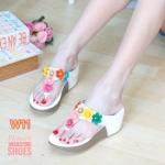 รองเท้าแฟชั่น ส้นเตารีด แบบหนีบ แต่งดอกไม้สวยเก๋ หนังนิ่ม ทรงสวย ใส่สบาย แมทสวยได้ทุกชุด (PU6076)