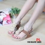 รองเท้าแตะแฟชั่น แบบสวม รัดส้น แต่งดอกไม้ด้านหน้าสวยน่ารัก พื้นซอฟคอมฟอตนิ่มสไตล์ฟิตฟลอบ ใส่สบายมาก แมทสวยได้ทุกชุด (F1101)