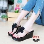 รองเท้าแฟชั่น ส้นเตารีด แบบหนีบ สายพลาสติกใสนิ่มแต่งดอกไม้สวยหวาน ส้นสูงประมาณ 3 นิ้ว เสริมหน้า ใส่สบาย แมทสวยได้ทุกชุด (V2067)