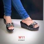 รองเท้าแฟชั่น ส้นเตารีด แบบสวม แต่งโบว์คลิสตัลสวยน่ารัก สไตล์เกาหลี หนังนิ่ม ใส่สบาย แมทสวยได้ทุกชุด (ฺ5263)