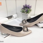 รองเท้าคัทชู ส้นเตี้ย แต่งอะไหล่หรู ส้นเคลือบเงา ทรงสวย หนังนิ่ม ส้นสูงประมาณ 1 นิ้ว ใส่สบาย แมทสวยได้ทุกชุด (K9096)