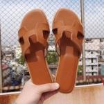 รองเท้าแตะแฟชั่น แบบสวม หน้า H สไตล์แอร์เมสสวยเก๋ อินเทรนด์ ทรงสวย ใส่สบาย แมทสวยได้ทุกชุด (GS02)
