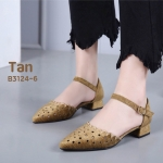รองเท้าคัทชู รัดส้น เปิดข้าง แต่งลายฉลุสวยเก๋ หนังนิ่ม ทรงสวย ใส่สบาย ส้นสูงประมาณ 1.5 นิ้ว แมทสวยได้ทุกชุด (B3124-6)