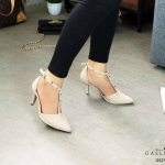 รองเท้าคัทชู รัดส้น ส้นเตี้ย หนังสักหราดแต่งหมุดสวยหรู ทรงสวย หนังนิ่ม ส้นสูงประมาณ 2.5 นิ้ว ใส่สบาย แมทสวยได้ทุกชุด (G5273)