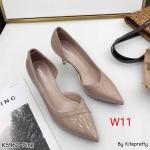 รองเท้าคัทชู ส้นสูง ทรงหัวแหลม เว้าข้าง หนังเงานิ่มแต่งคาดหน้าสวยเรียบหรู ด้านบุนวมนิ่ม น้ำหนักเบา ส้นสูงประมาณ 3 นิ้ว ทรงสวย ใส่สบาย แมทสวยได้ทุกชุด (K5962)