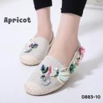 รองเท้าคัทชู ทรง slip on แต่งอะไหล่นกและดอกไม้สวยหรู ส้นแต่งขอบเชือกถักสไตล์วินเทจ หนังนิ่ม ใส่สบาย แมทสวยได้ทุกชุด (D883-10)