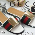 รองเท้าแตะแฟชั่น แบบสวม แต่งอะไหล่สไตล์กุชชี่สวยเรียบเก๋ หนังนิ่ม ใส่สบาย แมทสวยได้ทุกชุด (GV4132)
