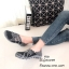 รองเท้ายางสาน เพื่อสุขภาพ ทอลายสีทูโทนสวยเก๋ แบบสวม ยางยืดนิ่มยืดหยุ่น ใส่ง่าย พื้นนิ่ม รองรับซับเเรงกระเเทก มีความยืดหยุ่นในตัวสูง ใส่สบายมาก ไม่ปวดเท้า ส้นยางกันลื่นหนา 1 นิ้ว น้ำหนักเบา เดินได้อย่างมั่นใจในทุกย่างก้าว ทรงสวย ใส่สบาย แมทสวยได้ทุกชุด (F7 thumbnail 1