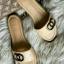 รองเท้าแตะแฟชั่น แบบสวม ดีไซน์เรียบหรู สไตล์แบรนด์ สวมใส่ง่ายพื้นยางสังเคราะห์หนานุ่ม หนังนิ่ม ใส่สบาย แมทสวยได้ทุกชุด (C62-049) thumbnail 2