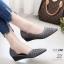 รองเท้าคัทชู ส้นเตารีด หนังกลิสเตอร์แต่งหมุดเพชรสวยหรู ทรงเว้าข้าง หนังนิ่ม งานสวย ใส่สบาย ส้นสูง 1.5 นิ้ว แมทสวยได้ทุกชุด (628-1) thumbnail 1