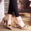 รองเท้าแฟชั่น ส้นสูง แต่งคาดทองสวยหรู ทรงสวย หนังนิ่ม ใส่สบาย ส้นสูงประมาณ 3 นิ้ว แมทสวยได้ทุกชุด thumbnail 1