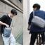 Xiaomi 90 Points Urban Minimalist Messenger Bag - กระเป๋าสะพายข้าง รุ่น 90 พ้อยต์เออเบิร์นมินิมอลลิสต์ (สีเทาเข้ม) thumbnail 4