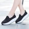 พร้อมส่ง รองเท้าผ้าใบเสริมส้นสีดำ พื้นสุขภาพ มีรูระบายอากาศ แฟชั่นเกาหลี [สีดำ ]