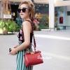 กระเป๋าสะพายแฟชั่น กระเป๋าสะพายข้างผู้หญิง Fendi candy stud [สีแดง]