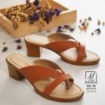พร้อมส่ง รองเท้าส้นตันสีน้ำตาล แบบคีบ เก็บเท้า match ง่ายกับทุกชุด แฟชั่นเกาหลี [สีน้ำตาล ]