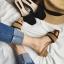 พร้อมส่ง รองเท้าส้นตันสีน้ำตาล เปิดส้น พื้นยางลายไม้ แฟชั่นเกาหลี [สีน้ำตาล ] thumbnail 2