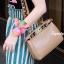 กระเป๋าสะพายแฟชั่น กระเป๋าสะพายข้างผู้หญิง Fendi candy stud [สีครีม] thumbnail 2